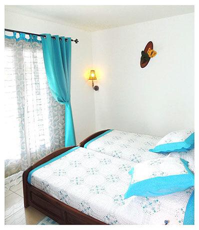 Chambre simple du gîte à Petite-ile de La Réunion